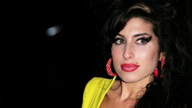 """La transformación de la casa de Amy Winehouse en un hogar """"único"""" para rehabilitar a jóvenes adictas al alcohol y a las drogas"""