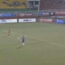 [VIDEO] Arquero vietnamita es suspendido por dos años tras dejarse marcar tres goles a modo de protesta