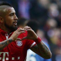 [VIDEO] Arturo Vidal convierte golazo en victoria parcial del Bayern Munich