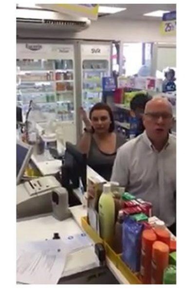 La del cura Gatica: Mujer que insultó a trabajadoras extranjeras en farmacia fue inmigrante en Italia