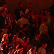 [VIDEO] Carabineros detiene a individuo que comenzó incidentes durante presentación de artista en el Festival de Viña
