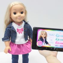 Alemania prohíbe la muñeca