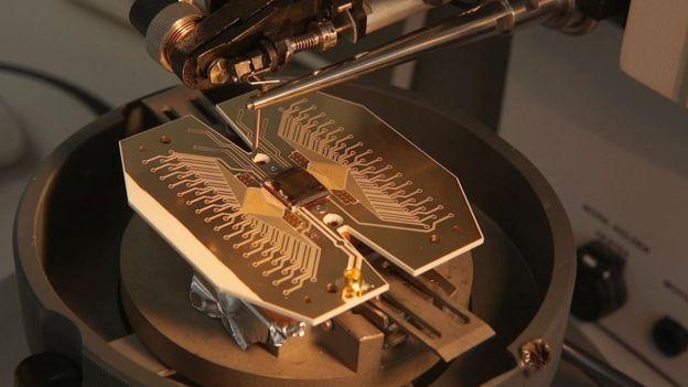 La computadora cuántica, el «santo grial» de la informática, está a un paso de ser construida