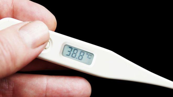 """""""Me tomaba la temperatura 25 veces al día"""": la compleja vida de los hipocondríacos"""