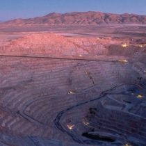 Incendio afecta a minera Escondida en medio de huelga de trabajadores