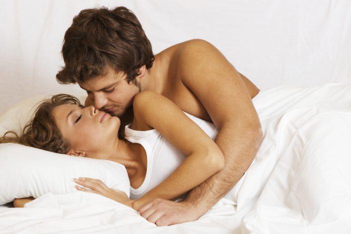 Especialistas recomiendan el sexo matutino