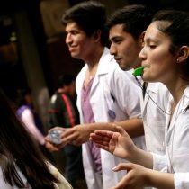 Tecnólogos médicos logran primera victoria judicial contra el Gobierno por decreto que autoriza a paramédicos a realizar exámenes