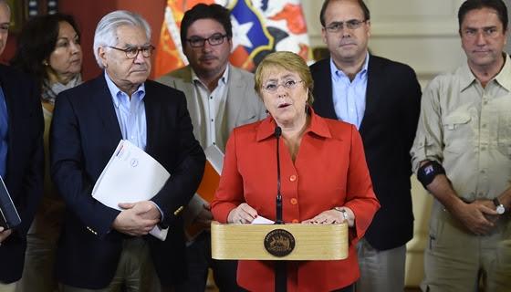 """Bachelet nombra Coordinador Nacional de Emergencia y asegura que incendios están """"mayoritariamente controlados"""""""