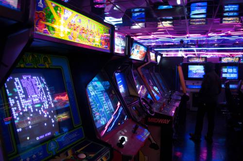 Por qué las salas de videojuegos siguen siendo populares en Japón