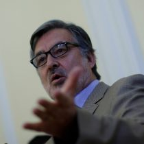 Guillier acusa el golpe: critica desorden en la Nueva Mayoría y habla de