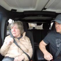"""[VIDEO] """"Molly y Joe"""" la historia del YouTuber que cuenta como es su vida con su madre con demencia"""