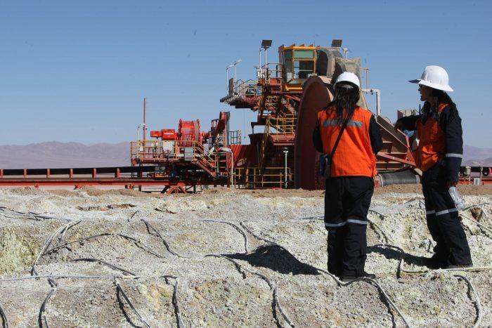 Minería: el reto de una mayor equidad de género en Chile