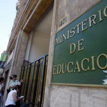 CNED aclara que no han eliminado Filosofía y Ciencias de los currículum de III y IV Medio