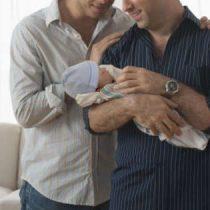 Italia reconoce adopción en el extranjero de dos niños a una pareja homosexual