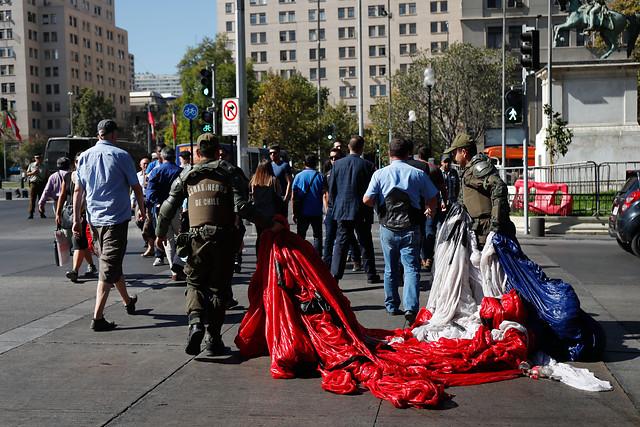Ocho estudiantes de U. Arcis fueron detenidos frente a La Moneda