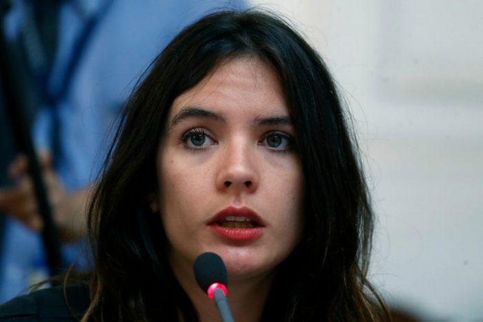 [VIDEO] Camila Vallejo denuncia despido de carabinera con fuero maternal