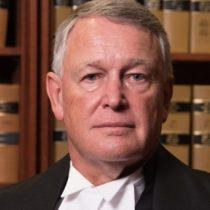 Juez de Canadá renuncia tras denigrar a víctima de agresión sexual