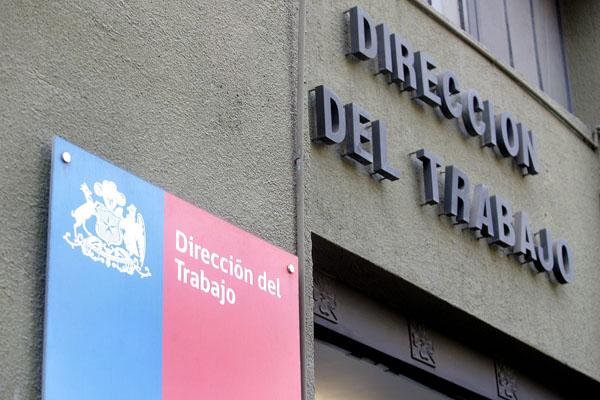 Bancadas de oposición denuncian a la Dirección del Trabajo ante Contraloría por implementar