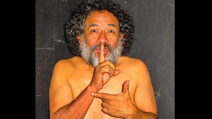 """La crítica descarnada de """"Chilensis"""" de Luis Dubó: """"La invitación es a sacar la basura debajo de la alfombra"""""""