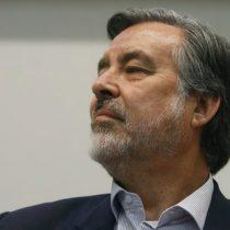 Guillier se desmarca de Bachelet y la compara con Lagos y Piñera: