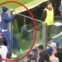 [VIDEO] El aplaudido gesto de un hincha del Porto con uno de Juventus tras eliminación de su equipo de la Champions