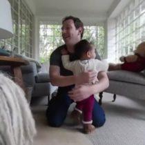 Cómo son los padres millennials, los hombres que quieren estar muy presente en la crianza de sus hijos