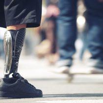 Con tecnología 3D, jóvenes presos chilenos hacen prótesis para niños de escasos recursos