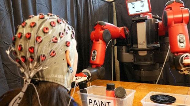 Un nuevo avance hacia la comunicación telepática entre humanos y robots