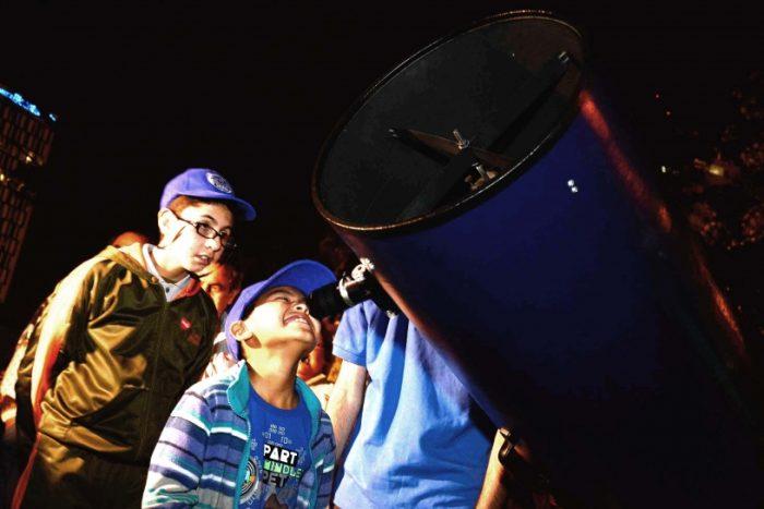 """""""Cazadores de eclipses"""", el libro que quiere entusiasmar a los niños con la astronomía"""