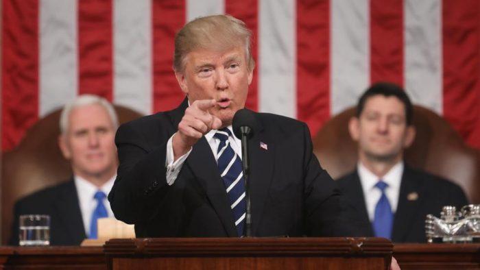 EE.UU: Trump vincula a demócratas con Rusia mientras fiscal general sigue en la mira
