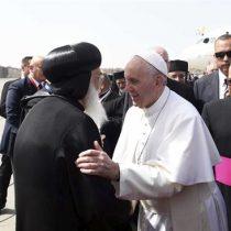 El papa llega a Egipto para defender la reconciliación entre religiones