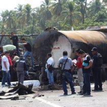 México: al menos 24 personas mueren tras el incendio de un autobús que chocó con un camión cisterna de gasolina