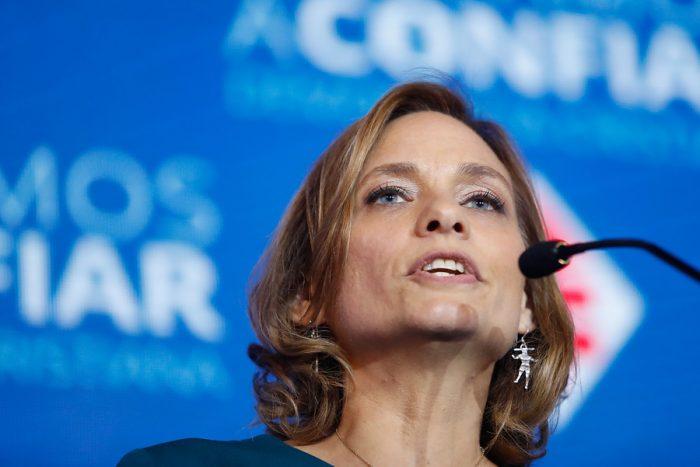 Carolina Goic reconoce que hubiera expulsado al diputado Rincón: