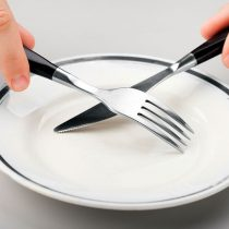 Nutricionistas alertan por dieta naturista ¿Es recomendable el ayuno?