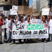 Tanto en Chile como en el mundo los científicos vuelven a la calle en pie de guerra