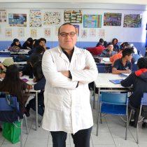 Chileno reconocido entre los 50 mejores profesores del mundo dicta cátedra:
