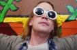 Macaulay Culkin se transforma en Kurt Cobain en video musical