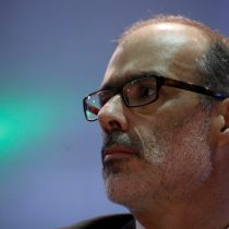 Viernes de Mea Culpa para Valdés: asumió golpe por rebaja de nota de S&P pero le preocupa que se instale idea de que