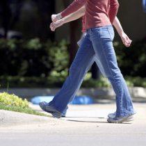 Estudio asegura que caminar ayuda a controlar el riego sanguíneo al cerebro