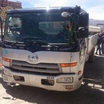Autoridades bolivianas devuelven a Chile un camión robado en ese país