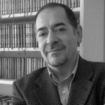 Carlos Iturra, el escritor que celebra a Pinochet y a Mariana Callejas, vuelve como asesor cultural de Providencia