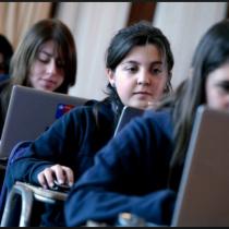 El portal que ayuda a subir las notas a los estudiantes de liceos de todo el país