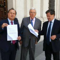 Diputados de la NM entregan carta a Bachelet y denuncian