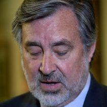 """Chile Vamos:""""Lo único que faltaba a la candidatura de Guillier es que su página web esté en mantención"""