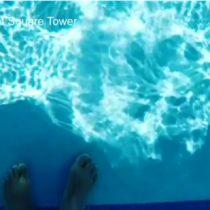 [VIDEO] La vertiginosa piscina con el fondo transparente que cuelga a 152 metros de altura