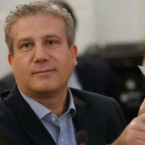 Ricardo Rincón formaliza ante el Servel su renuncia a la Democracia Cristiana