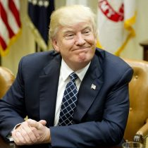 Trump promulga ley que permite a empresas de internet vender datos de sus usuarios