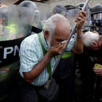 Gas pimienta contra bastones: así fue la