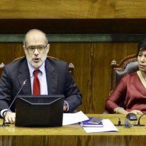 Ministro Valdés torpedea proyecto que quita al SII exclusividad en acción penal por delitos tributarios