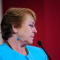 Tribunal remite a Corte de Apelaciones querella contra Bachelet por ejercicio ilegal de profesión
